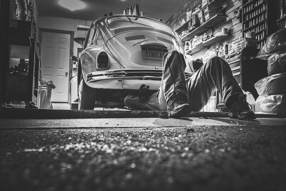 Dlaczego starszy samochód może być lepszy niż nowy?
