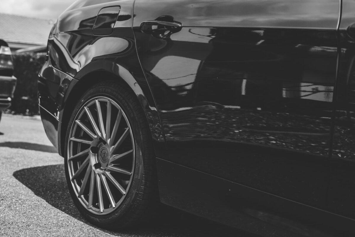 Opony Bridgestone zimowe Blizzak LM005 – dlaczego warto?